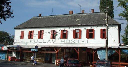 Make cheap reservations at a hostel like Hullam Hostel
